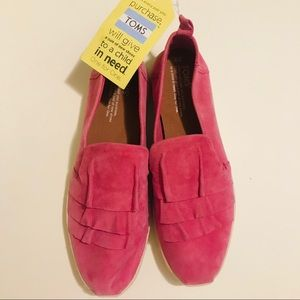 NWT Toms Pink suede W9 B5